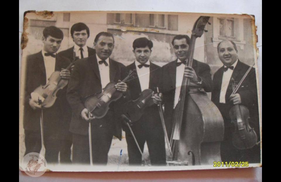 DUDÁS JÁNOS és ZENEKARA kb. 1970. Patkó csárda