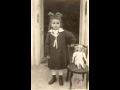 KISLEÁNY BABÁVAL 1925