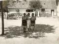 LÁNYOK A KÚTVÖLGYÖN, 1940 körül