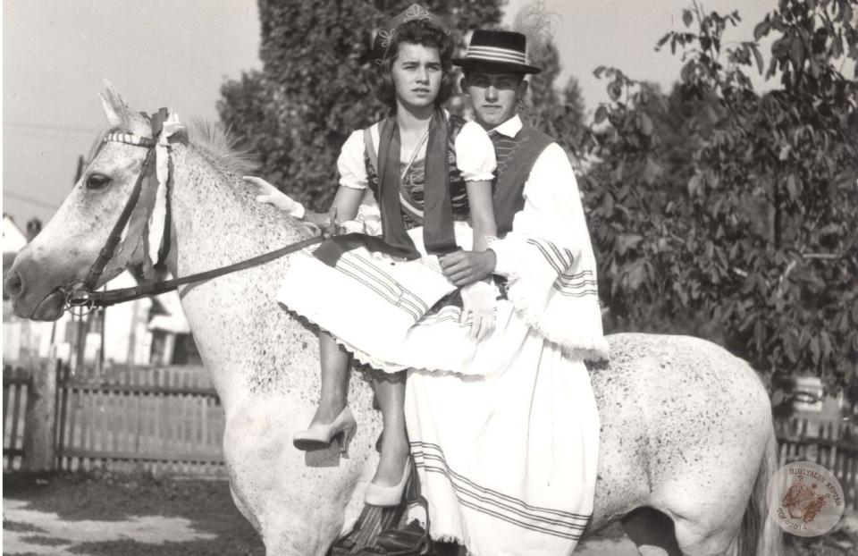 SZÜRETI FELVONULÁS 1960