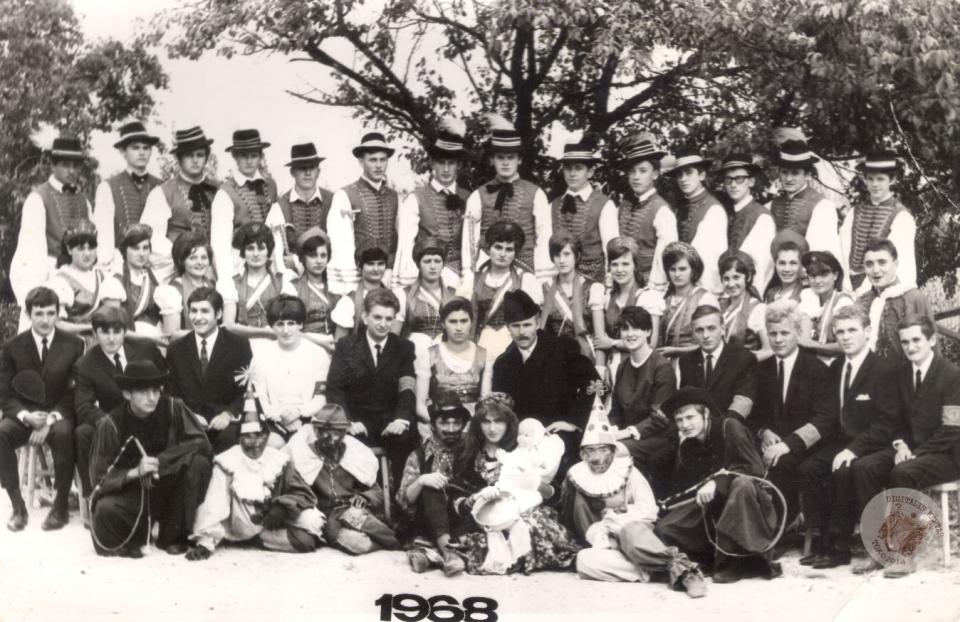 SZÜRETI FELVONULÁS 1968