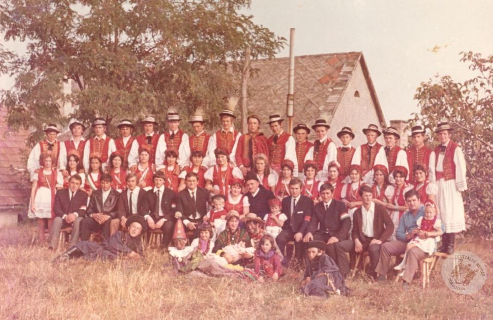 SZÜRETI FELVONULÁS 1971