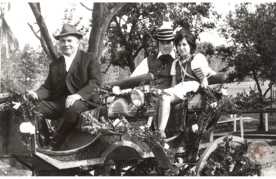 SZÜRETI FELVONULÁS 1973