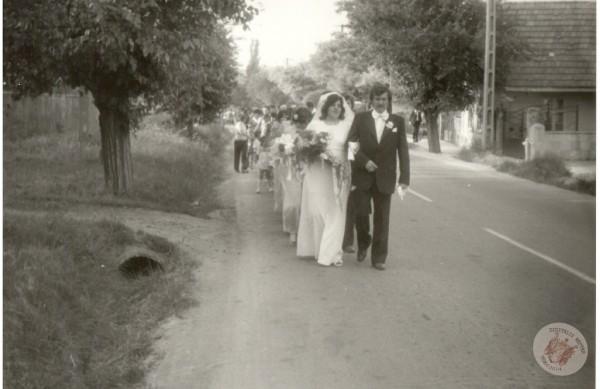 0053 2. Esküvői menet Járfás László... Sütő I-nétól