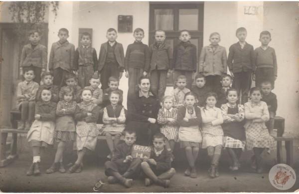 0042 osztalykep_1949-50_I-IIo_HJ-ne
