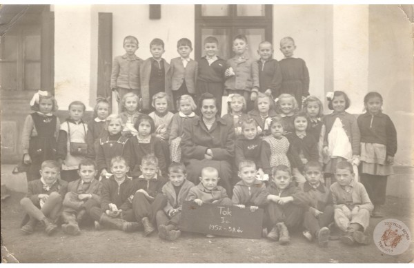 0039 osztalykep_1957-58_Io_HJ-ne