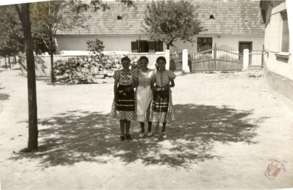 0102 Kútvölgyön 1940 körül